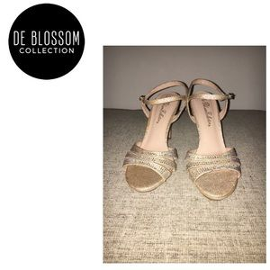 NWOT De Blossom Collection Nalia dress sandals, 8